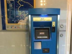 Le nuove macchinette automatiche per l'acquisto dei biglietti in funzione nelle stazione della Linea 1 della metropolitana di Napoli