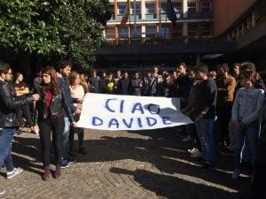 Manifestazione degli studenti in memoria di Davide Natale, morto a 21 anni dal crollo di un albero a Napoli