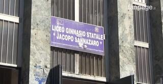 """Controlli antidroga al Liceo Sannazaro, rabbia dei genitori: """"Li facessero a Scampia"""""""
