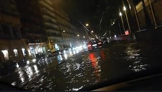 Bomba d'acqua a Napoli, indagine del Comune sulle strade allagate ma rifatte da poco