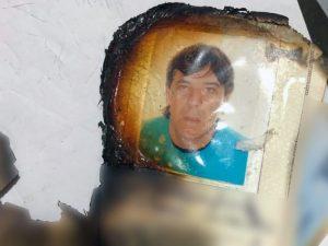 """La foto di Antonio Orlando, sessantenne, ritenuto il reggente del clan camorristico degli """"Orlando–Nuvoletta–Polverino"""", su un documento parzialmente bruciato recuperato dalle forze dell'ordine."""