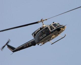 Blitz della polizia a Ponticelli: agenti a caccia di droga e armi