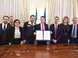 La firma del protocollo d'intesa sulla terra dei Fuochi in Campania