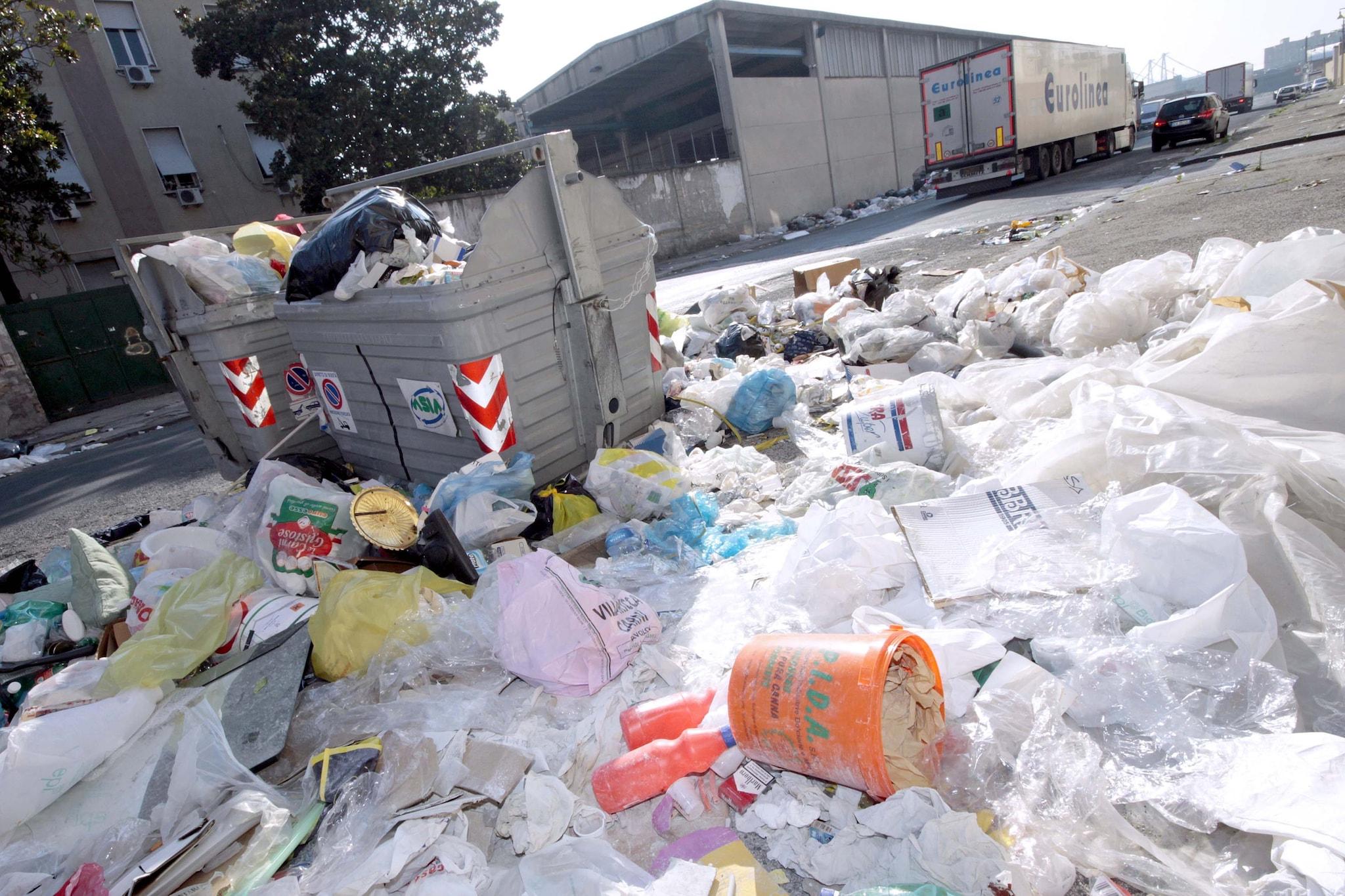L'emergenza rifiuti a Napoli nel 2010