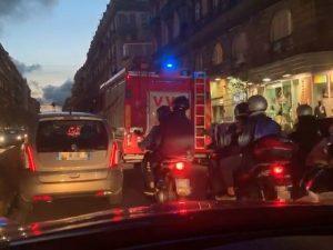 Il Corso Umbero I di Napoli paralizzato dal traffico. [Foto / Fanpage.it]