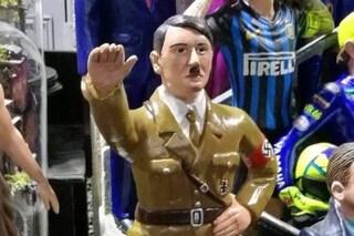 Napoli, tra le statuine del presepe spunta quella di Hitler