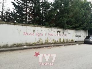 Benevento, scritte offensive contro Matteo Salvini