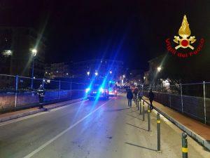 Il ponte da cui il ragazzo ha tentato il suicidio (Foto: Vigili del fuoco)