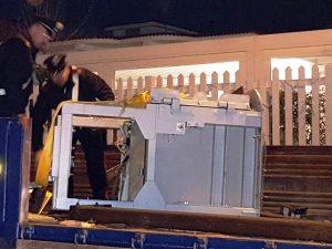 Il bancomat sradicato a Giugliano nella notte di Capodanno e recuperato dai Carabinieri.