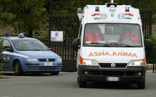 Automobile si ribalta davanti al bar, due ragazzi in ospedale in condizioni gravissime