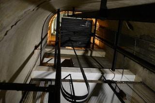 Pontecagnano, operaio cade nella tromba dell'ascensore: ricoverato in rianimazione, è grave