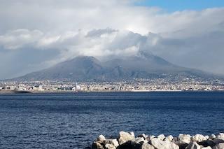 Nevica a Napoli: fiocchi al Vomero, Camaldoli e in tutta la zona Vesuviana