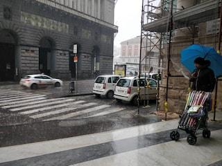 Maltempo a Napoli: forte pioggia, disagi molte strade allagate