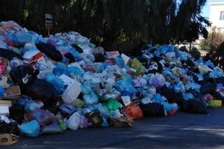 Napoli, il Comune vieta la vendita dei sacchetti neri per i rifiuti