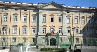 Paura al Tribunale di Napoli Nord: evacuato per una fuga di gas