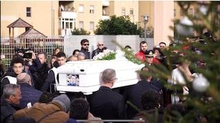 Bimbo ucciso di botte a Cardito, anche la mamma di Giuseppe ai funerali a Pompei