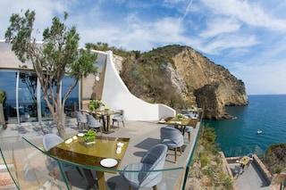Il ristorante più romantico d'Italia? Si trova a Bacoli: è il Caracol Gourmet