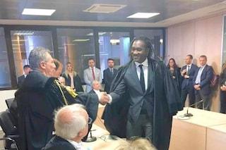 Napoli, Hilarry Sedu è il primo avvocato di colore eletto all'Ordine