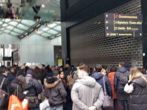 La stazione di Piazza Garibaldi della Linea 1 della metropolitana di Napoli chiusa al traffico, oggi venerdì 8 febbraio 2019. [Foto / Fanpage.it]