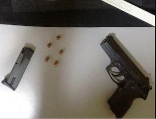 Ponticelli, nascosto dietro al contatore il kit del killer di camorra
