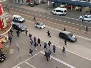 Gli scontri a Zurigo, poco prima della gara tra gli svizzeri ed il Napoli.