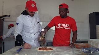 Il riscatto di Mohamed: arrivato in Italia col barcone, adesso fa il pizzaiolo in Irpinia