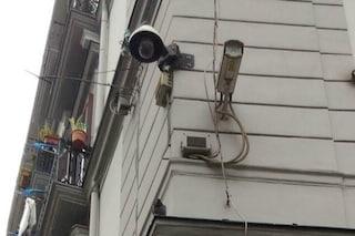 Napoli, la videosorveglianza presto sarà usata anche per scoprire chi sporca la città