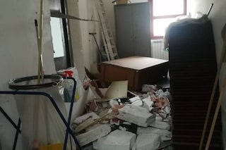Vergogna a Pozzuoli, nella notte vandali devastano due scuole