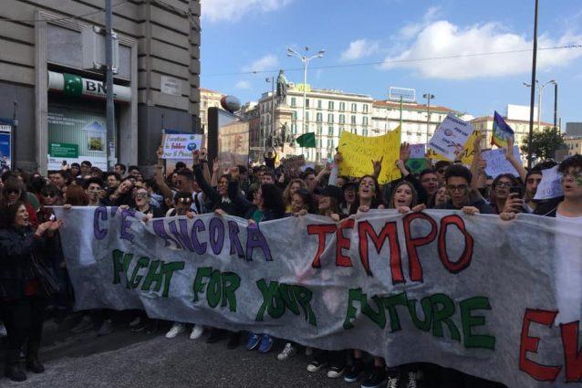 Napoli In Piazza Per Il Friday For Future In 15mila Per Chiedere Un Futuro Ecosostenibile
