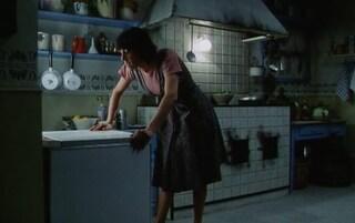 Così parlò Bellavista: Rachilina, la scena della lavastoviglie e la festa della donna