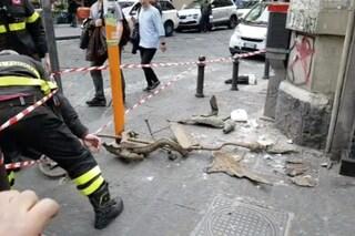 Operato il giovane turista colpito dai calcinacci a Napoli: è fuori pericolo