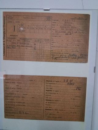 Massimo Troisi, all'anagrafe di San Giorgio una sorpresa: la sua scheda affissa al muro