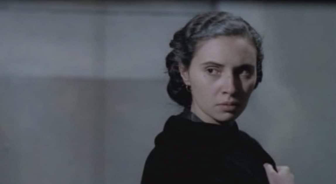 """Rosetta Cutolo interpretata da Laura del Sol nel film """"Il camorrista"""""""