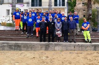 Operazione spiagge pulite: volontari in azione per ripulire il litorale di Castellabate