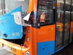 Anm, 25 nuovi bus comprati dal Comune fermi nei depositi per guasto