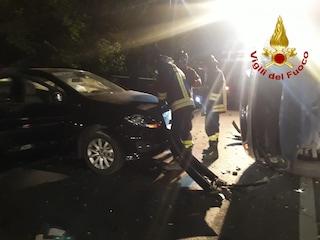 Salerno, incidente stradale in serata, 5 feriti, uno è grave