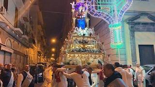 Vietato pellegrinaggio dei fujenti a Madonna dell'Arco, stop a tutte le processioni religiose