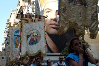 I battenti e i fujénti: i devoti di Maria tra fede e tradizione