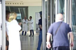 Ospedale del Mare, terra di nessuno: uomo fermato da guardie giurate le aggredisce