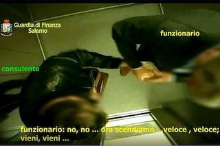 Mazzette nell'ascensore per aggiustare le sentenze, 14 indagati per corruzione
