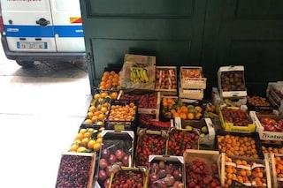 Controlli alla Pignasecca, sequestrati 500 chili di frutta avvelenati dai gas di scarico