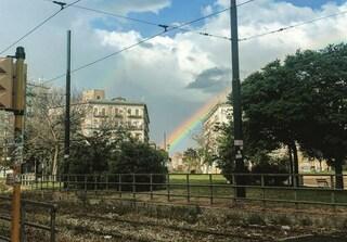 """Spunta l'arcobaleno su piazza Nazionale: """"C'è speranza per Napoli"""""""
