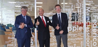 L'ambasciatore Usa in Italia Eisenberg visita Napoli e incontra gli studenti delle Academy