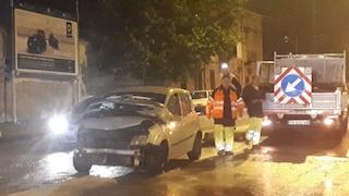 Via Don Bosco, incidente frontale tra due auto, tragedia sfiorata
