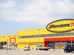 Mercatone Uno fallita: tremano lavoratori e clienti della ...