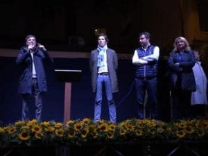 Matteo Salvini sul palco di San Giuseppe Vesuviano, assieme al sindaco Vincenzo Catapano.