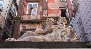 """Il """"Corpo di Napoli"""": la statua del dio Nilo, e il legame della città con l'antico Egitto"""