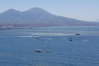 Napoli, salpa la flotta pro migranti di De Magistris: 10 barche alla partenza