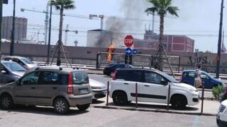 Incendio al Parco della Marinella a Napoli: potrebbero esserci feriti