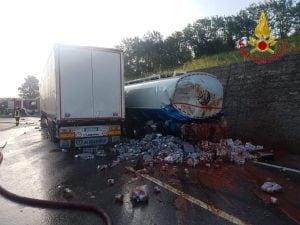 L'incidente avvenuto in mattinata sull'A16 Napoli-Canosa.